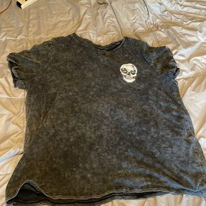 Acid wash relaxed fit skull graphic tee